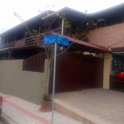 Casa 4 dormitórios praia de Bombas