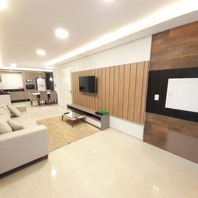 Ótimo apartamento 3 dormitórios na praia do Mariscal