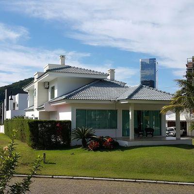 Casa em Condomínio Horizontal na Praia Brava
