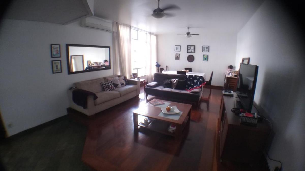 Apartamento de 185m² na Mariz e Barros, na Quadra da Praia