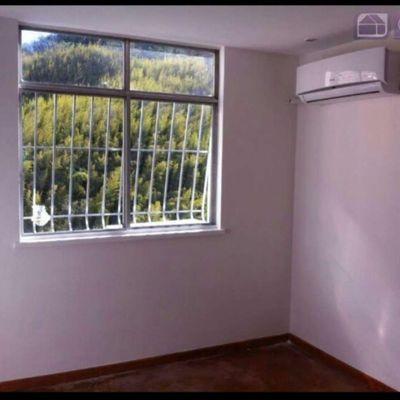 Apartamento de 2 Quartos com 1 Vaga Elevador e Portaria 24hs na Noronha Torrezão