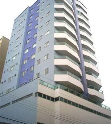 Apartamento com 03 suítes em Meia Praia Itapema SC para locação de temporada