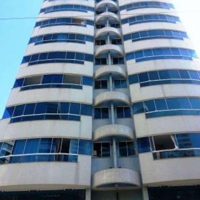 Apartamento à Venda Com 03 Dormitórios No Centro da Meia Praia, Itapema.
