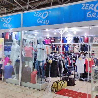 Sala comercia para a venda em Meia Praia.