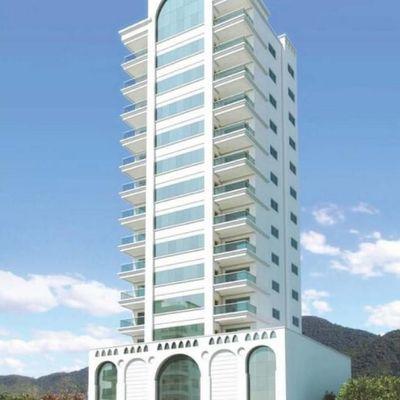 Apartamento com 03 suítes para a venda em Meia Praia.