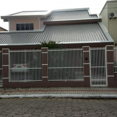 Linda Casa Na 1º Quadra do Bairro Morretes Com 2 Terrenos Frente Fundo Para 2 Ruas...