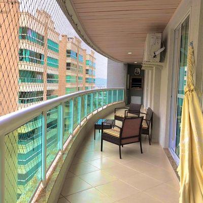 Apartamento 03 Dormitórios para Locação de Temporada em Meia Praia Itapema SC