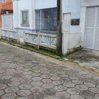 Casa Comercial no centro de Balneário Piçarras 120m2