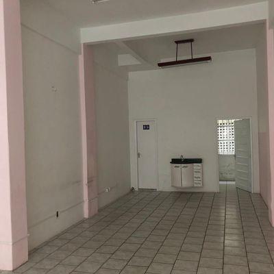 Sala comercial no centro de Barra Velha 60m²