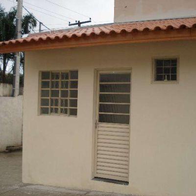 Maravilhosa Kitinete c/ garagem bairro Portão