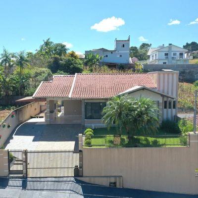Casa de Alvenaria - Venda - Semi Mobiliada - Laranjeiras - Rio do Sul