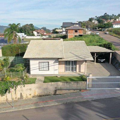 Casa de Alvenaria - Venda - Semi Mobiliada - Sumaré - Rio do Sul
