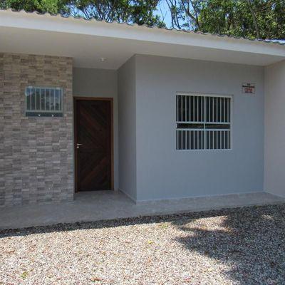 ► Casa nova MOBILIADA c/ 2 quartos, ótimo acabamento, Baln. Brandalize