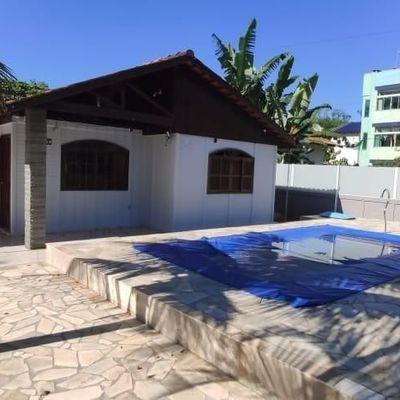 Casa para Temporada com 4 dormitórios e piscina no Balneário Itapoá