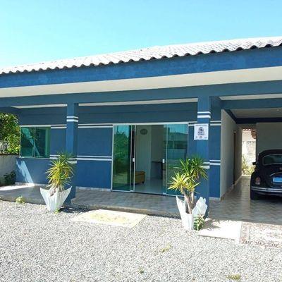 Casa c/ 01 suíte + 02 quartos, amplo terreno a 200m do mar, na Barra do Saí