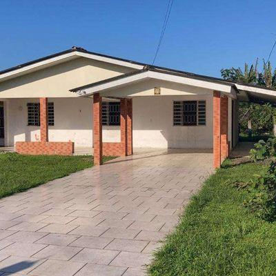 Casa Com terreno de 45m de comprimento