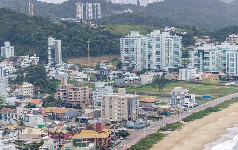 Os melhores imóveis para você comprar ou alugar em Itajaí é com a RV Imóveis