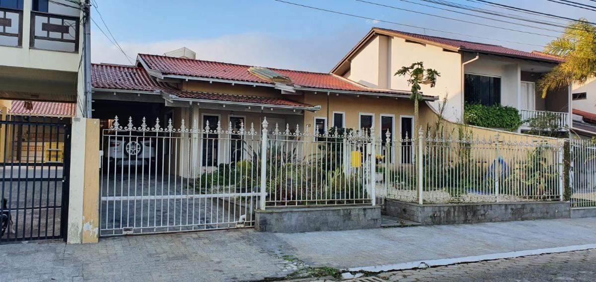Casa - 1 Suíte + 2 Quartos - Mobiliada - 226 m² - Dom Bosco - Itajaí/SC