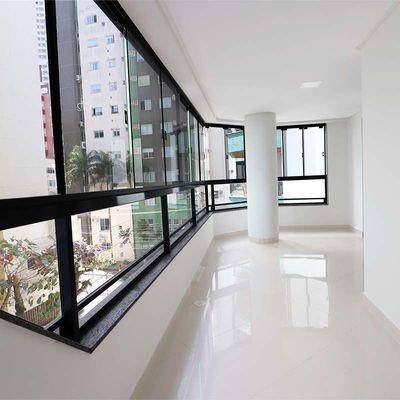 Apartamento à venda no Edifício Baia Azul