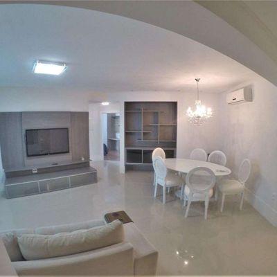Apartamento à venda no Edifício Grand Royale em Balneário Camboriú