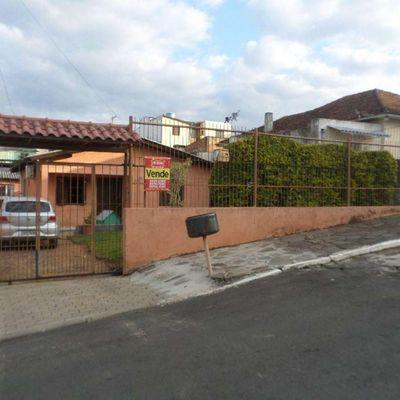 Ampla Casa Alvenaria por R$ 372.00,00