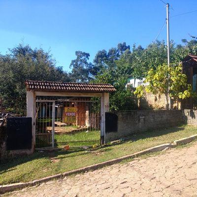 2 Casas Alvenaria à Venda Por R$ 110.000 - Vila Augusta - Viamão/rs