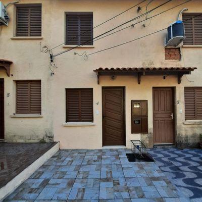 Sobrado Com 1 Dormitório à Venda, 36 M² Por R$ 95.000,00 - Agronomia - Porto Alegre/rs