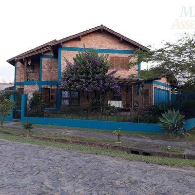 Sobrado para Locação em São Leopoldo, Cristo Rei, 3 dormitórios, 1 suíte, 3 vagas