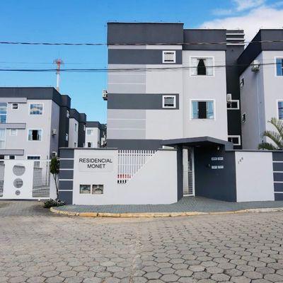Apartamento semimobiliado  01 suíte + 02 quartos no Centro de Guaramirim!