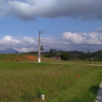 Terrenos de esquina no Loteamento Mirage