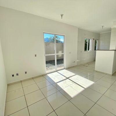 Apartamento com 02 quartos no bairro Rau - Próximo da Universidade Católica!