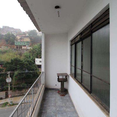 Apartamento para locação - Apartamento amplo 2 Quartos com Varanda - Rua Cruz de Souza, 249, Volta Redonda-RJ