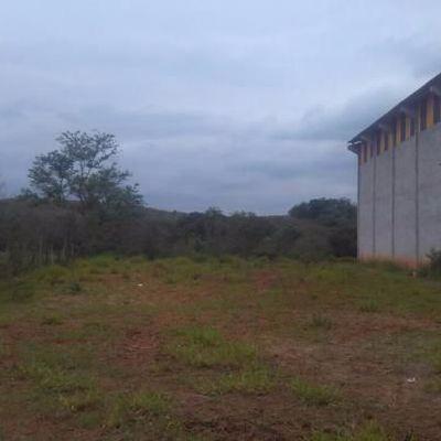 Terreno Plano com 1.000 m², Penedo, Itatiaia - RJ