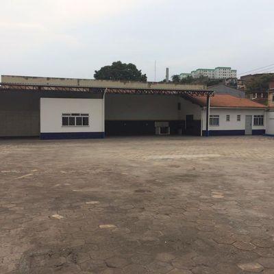 Pátio, Escritório e galpão com 1.100 m2 - Retiro, Volta Redonda - RJ