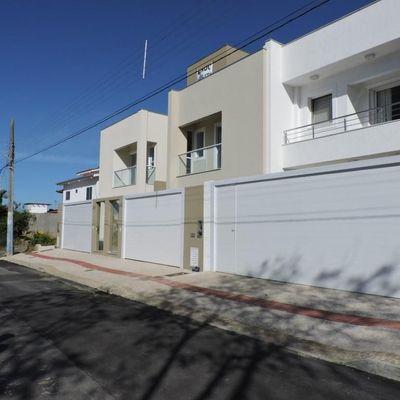 Casa Geminada Praia dos Amores - Balneário Camboriú