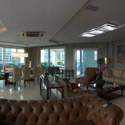 Brava Home- Apartamento de 04 suítes + dependência de empregada e 05 vagas de gargem privativa