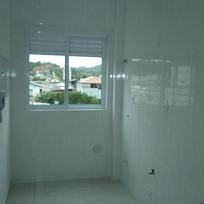 Apartamento novo de 02 dormitórios sendo 01 suíte e 01 vaga de garagem