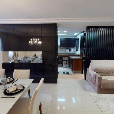 Apartamento mobiliado e decorado com 1 suíte + 2 demi suítes + 2 vagas de garagem na região central