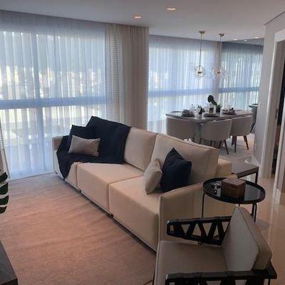 Apartamento mobiliado e decorado com 2 suítes + 2 dormitórios + 2 vagas de garagem