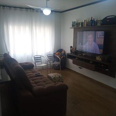 Apartamento mobiliado com 2 dormitórios a poucos metros da praia em Balneário Camboriu