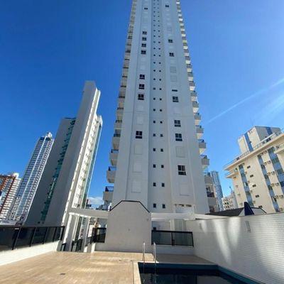 Apartamento diferenciado com piscina privativa + terraço + 3 suítes (1 com hidromassagem) na Av Brasil em Balneário Camboriu
