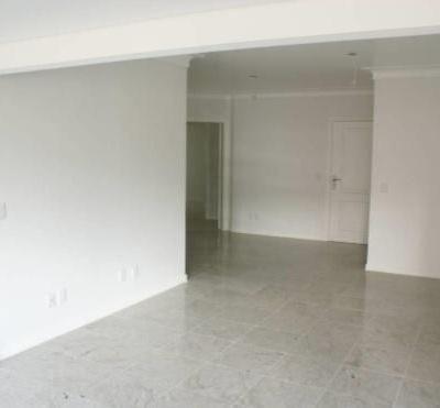 Ultima unidade! Apartamento à venda no Centro de Balneário Camboriú com 3 Suítes e 3 Vagas de Garagem