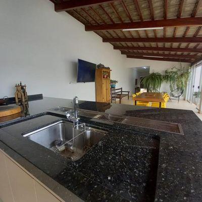 Casa no Caramuru com piscina