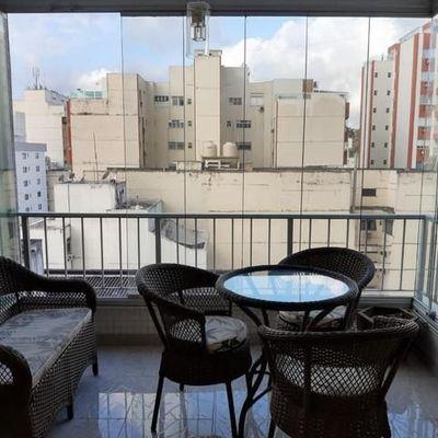 Ótimo apartamento com varanda em Icaraí