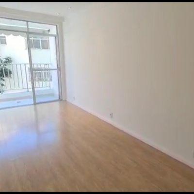2 quartos suite e varanda na Miguel de Frias