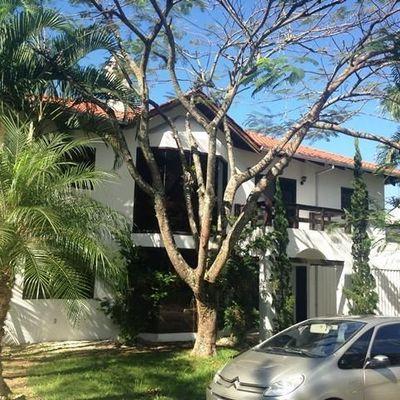 Oportunidade casa em condomínio alto padrão a venda em Balneário Camboriú