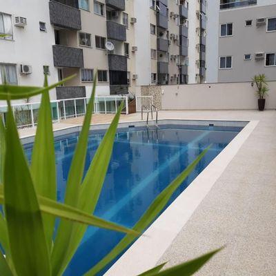 Apartamento para locação diária com 2 quartos no centro de Balneário Camboriú