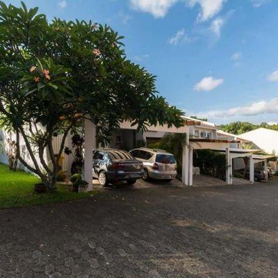 Belíssima casa à venda em condomínio no bairro Jardim Isabel em Porto Alegre