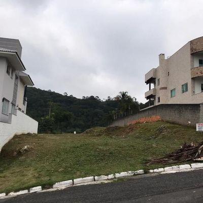 Terreno a venda localizado no Bairro Ariribá em Balneário Camboriú