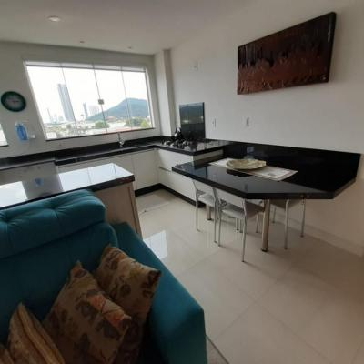 Apartamento 2 dormitórios Nova Esperança em Balneário Camboriú